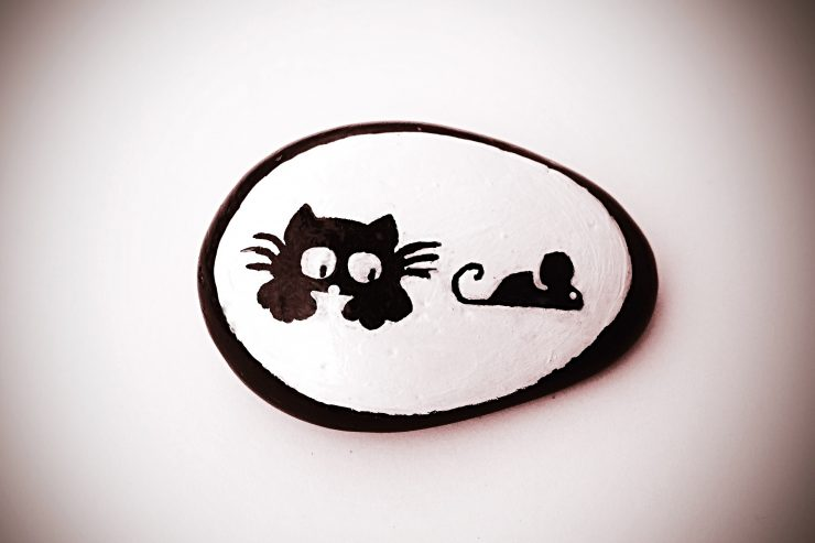 Manualidad del gato acechando al ratón