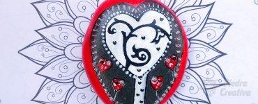 Piedra pintada barnizada árbol del amor
