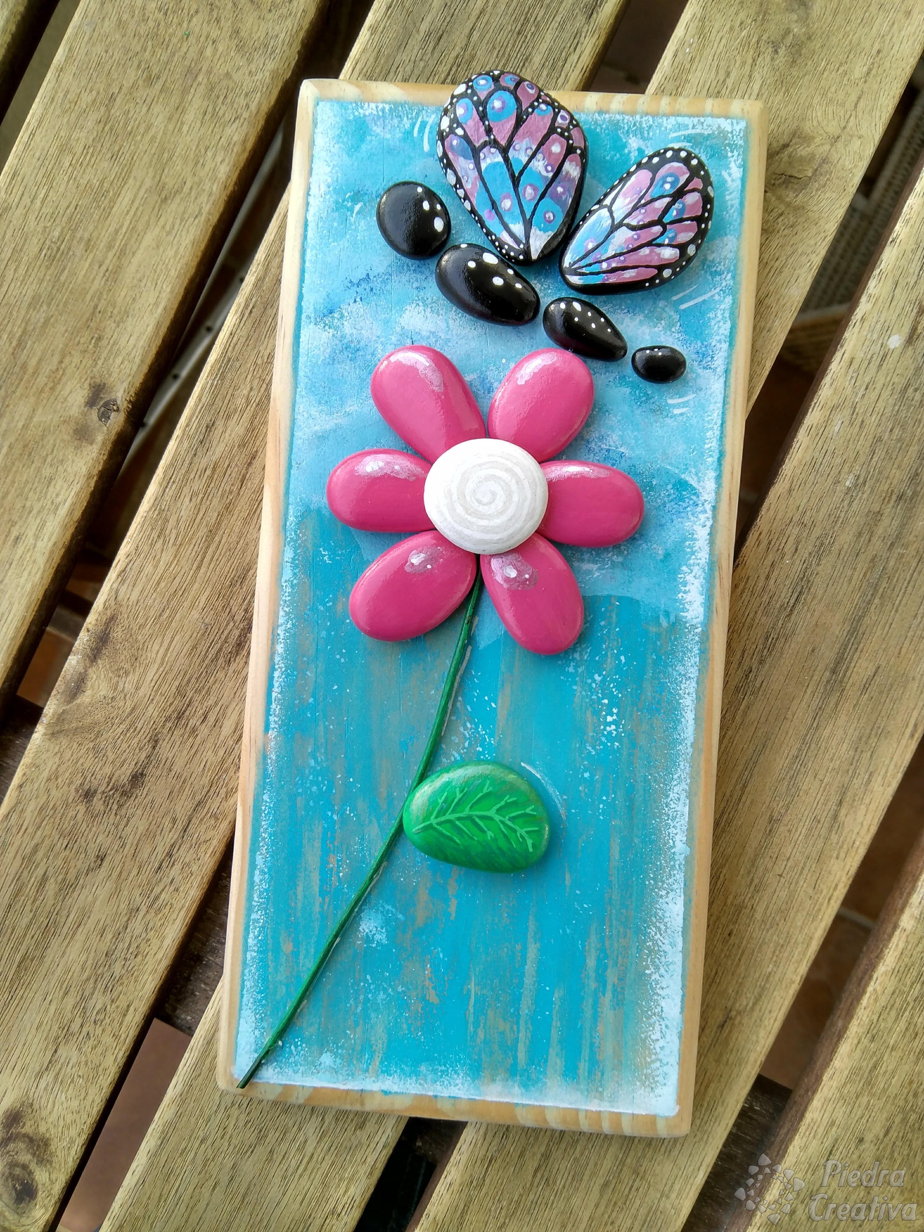 Como pintar flores en piedras diy y manualidades en for Cuadros hechos con piedras