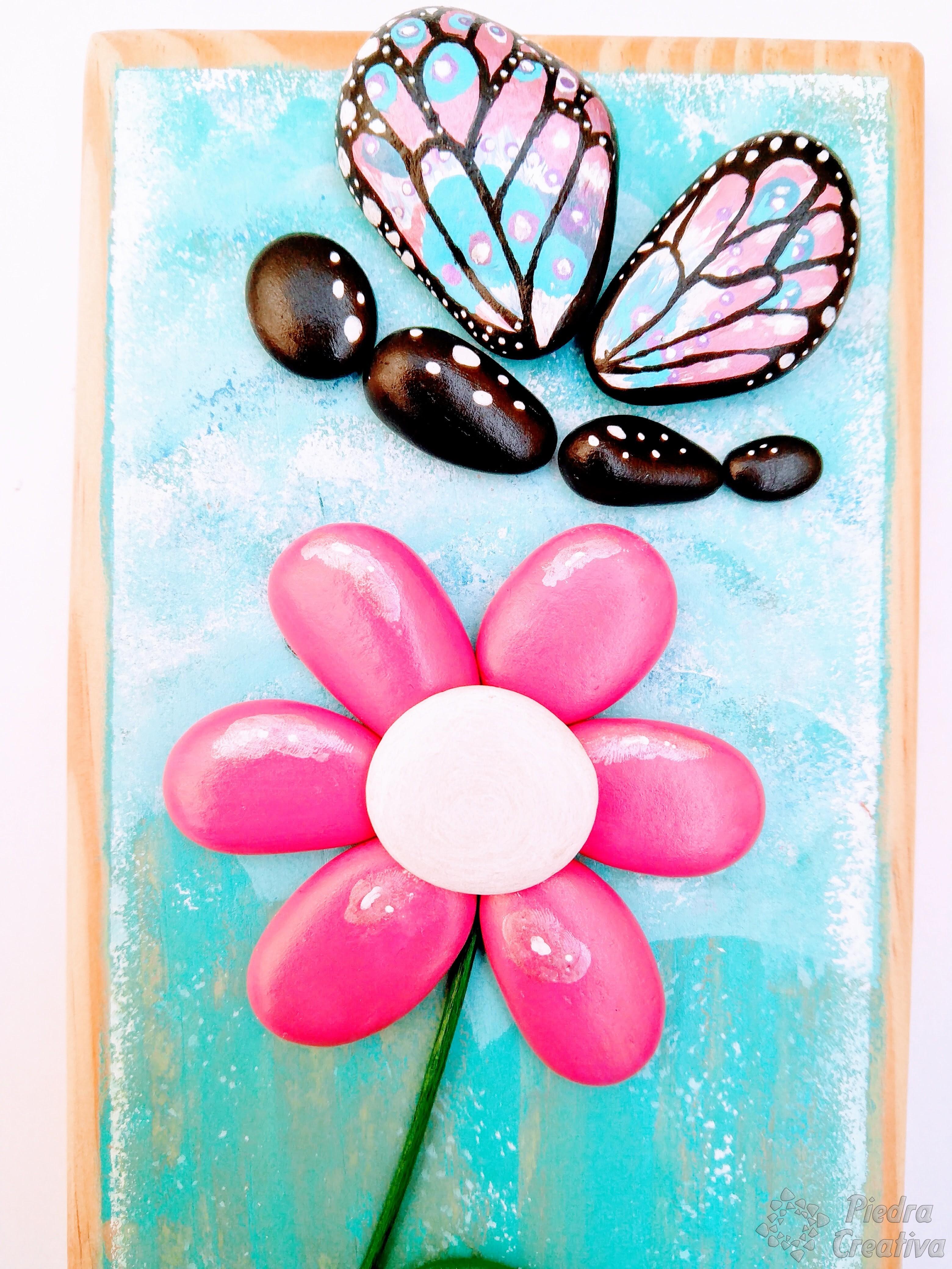 Como pintar flores en piedras diy y manualidades en for Pintura para pintar piedras