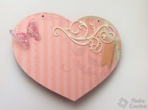 manualidad corazon rosa  300x224 - A special gift for the most important person ... Mom!