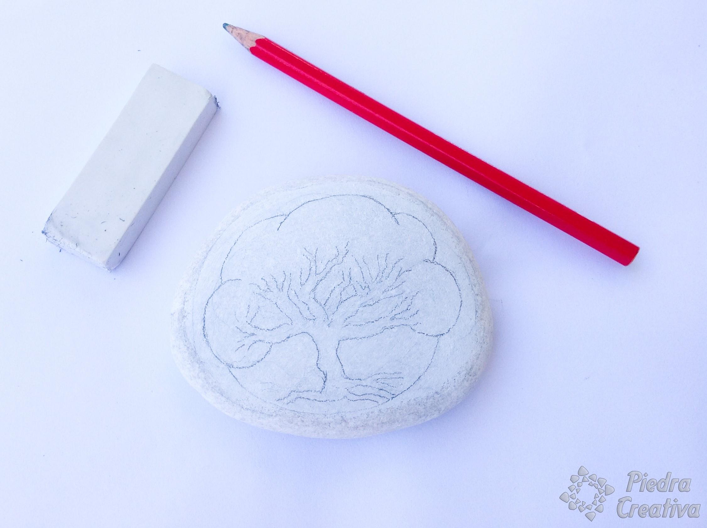 árbol Pintado En Piedra Con Puntillismo Piedracreativa