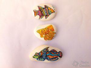 peces pintados en piedras 300x224 - Peces pintados en piedra... para toda la vida