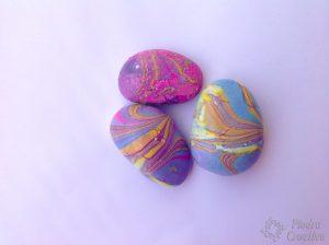 piedras pintadas rosas con esmalte 300x224 - piedras-pintadas-rosas-con-esmalte