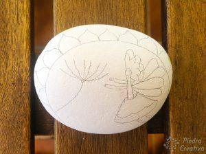 Piedra dibujada con hada