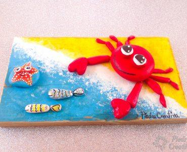 Cuadro decorativo cangrejo con piedras pintadas. PiedraCreativa
